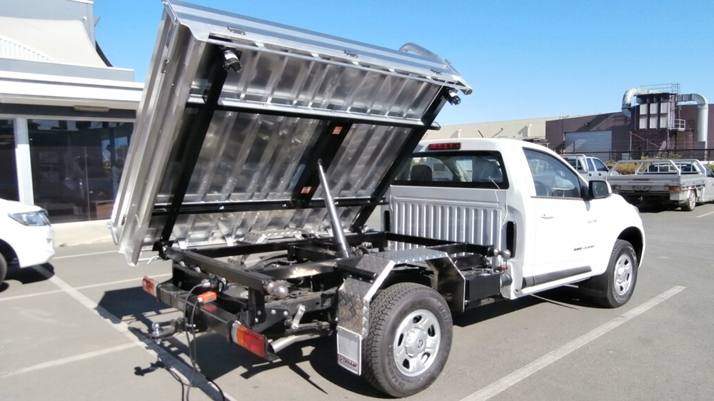 Colorado Rg 3 Way Tipper Unit Aluminium Auto
