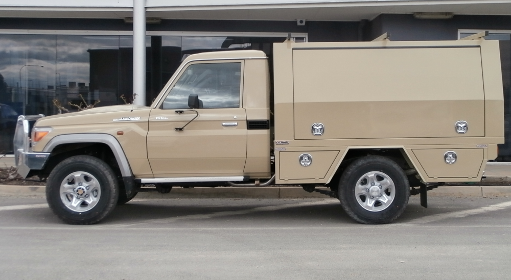 Land Cruiser 70 Series Service Body With Custom Toolboxes