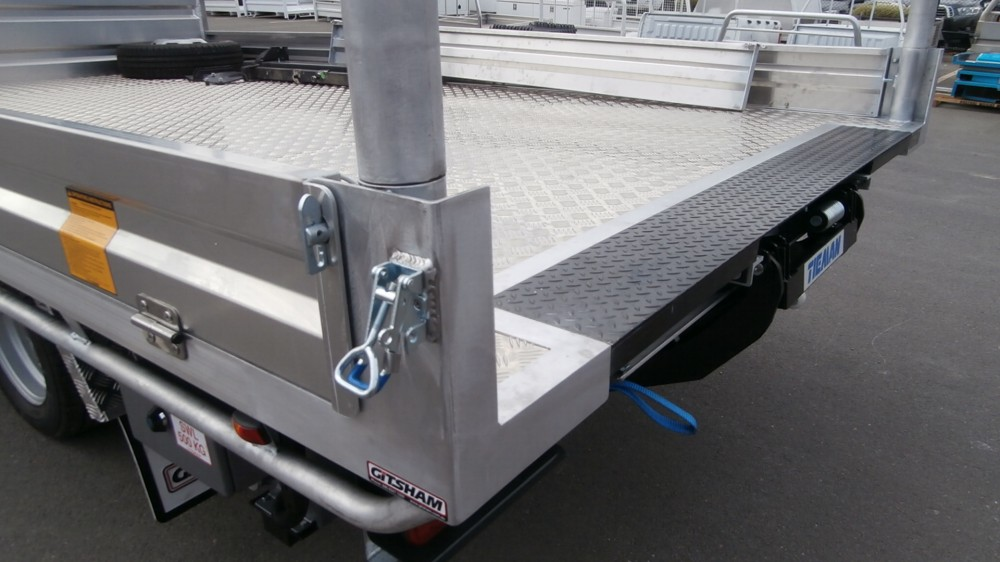 Iveco Welded Tray With Tailgate Lifter Aluminium Auto