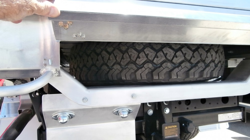 Land Cuiser Welded Alloy Tray With Spare Wheel Mounted